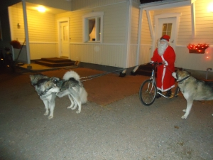joulukorttikuvausta Pukin kanssa